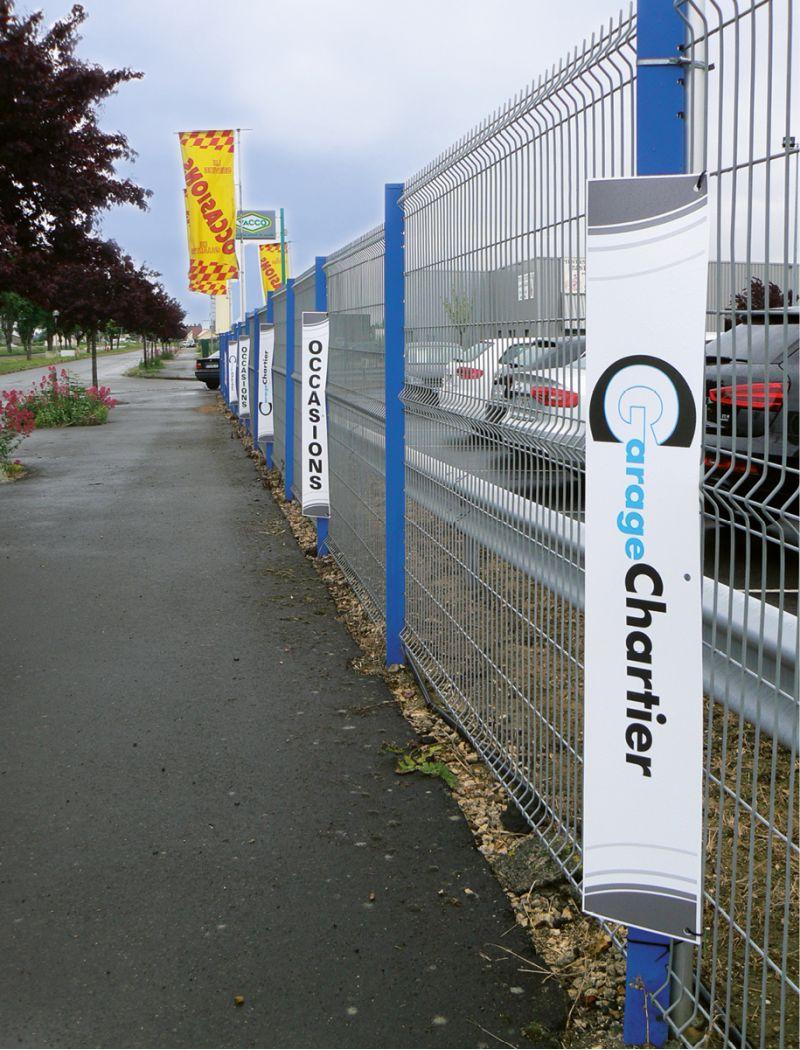 Totem de clôture à personnaliser